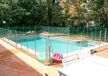 Green/Aluminum Pool Fence